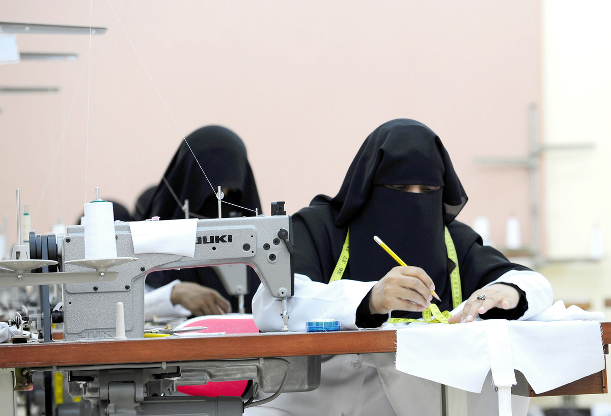 working women in saudi arabia Women are also not allowed to drive in saudi arabia, although expatriate women do enjoy more freedoms than those native to saudi arabia adapting to these differences can be challenging, however, expatriates highlight that a positive, patient attitude is the key to living happily in the kingdom.