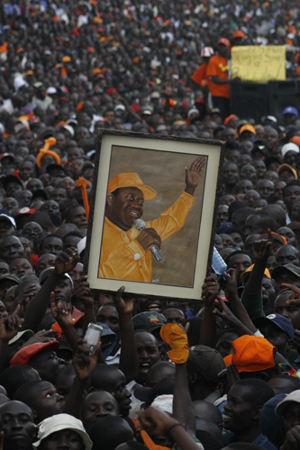 Raila Odinga supporters in October 2008 Source: Wikimedia Commons