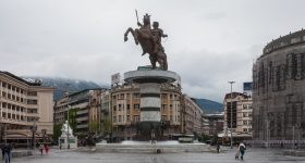 Plaza_de_Macedonia,_Skopie,_Macedonia,_2014-04-16,_DD_72