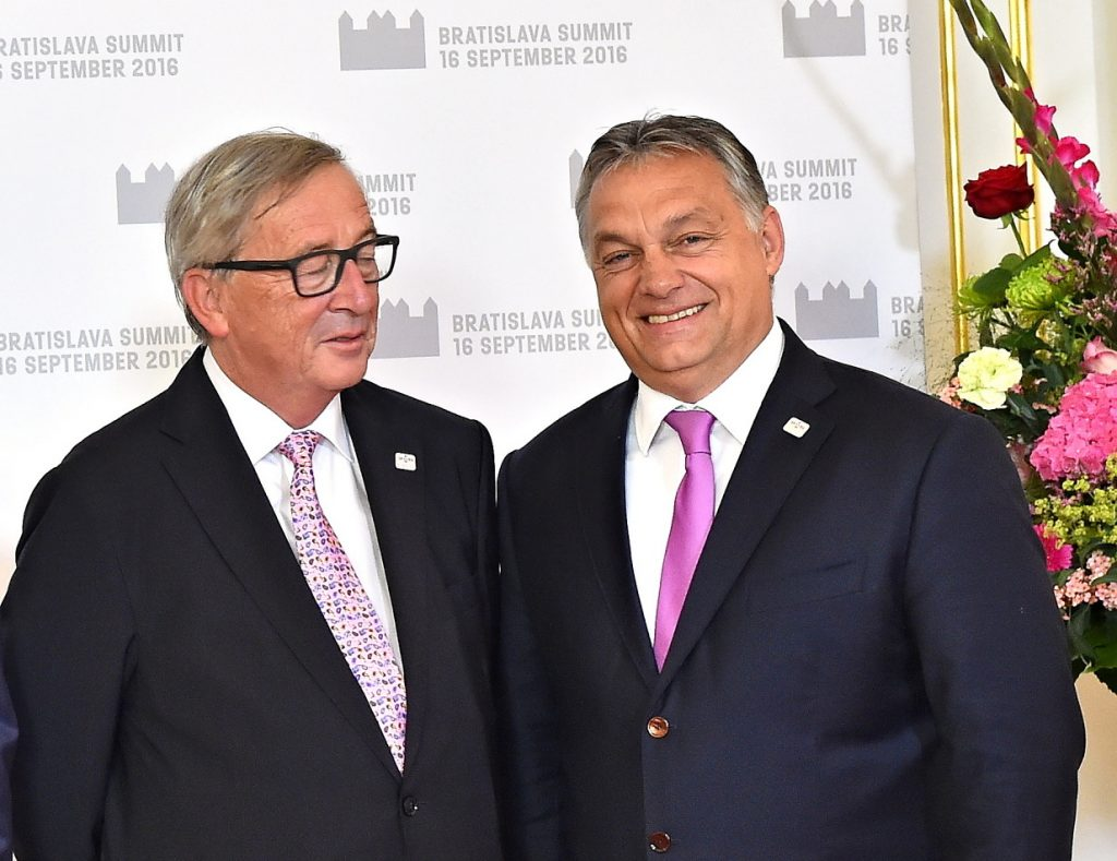 Viktor Orban (right) and the President of the European Commission (left) at the Bratislava Summit of 2016. Source: Wikimedia Commons