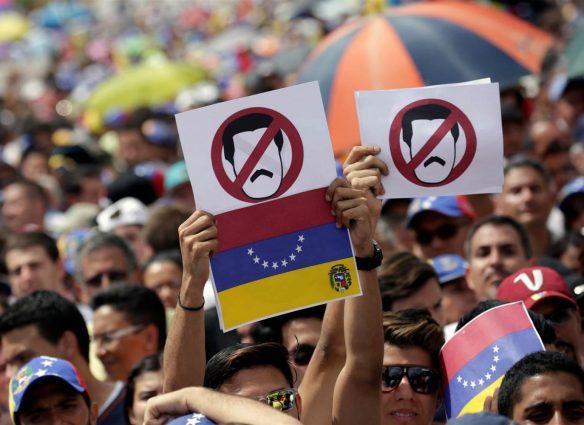 ss-161026-venezuela-protests-mn-010_4013ccea2822555ac795e29e38941e99.nbcnews-ux-2880-1000